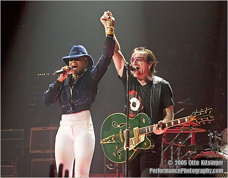 Live concert photo of Mary J. Blige, Bono